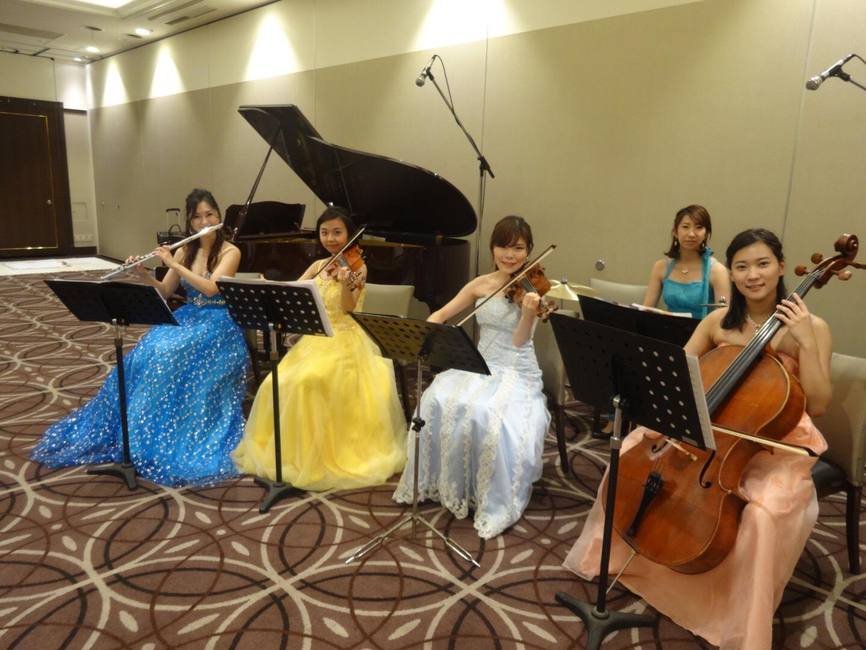 弦楽器、管楽器、打楽器の豪華6名編成でのご依頼でした