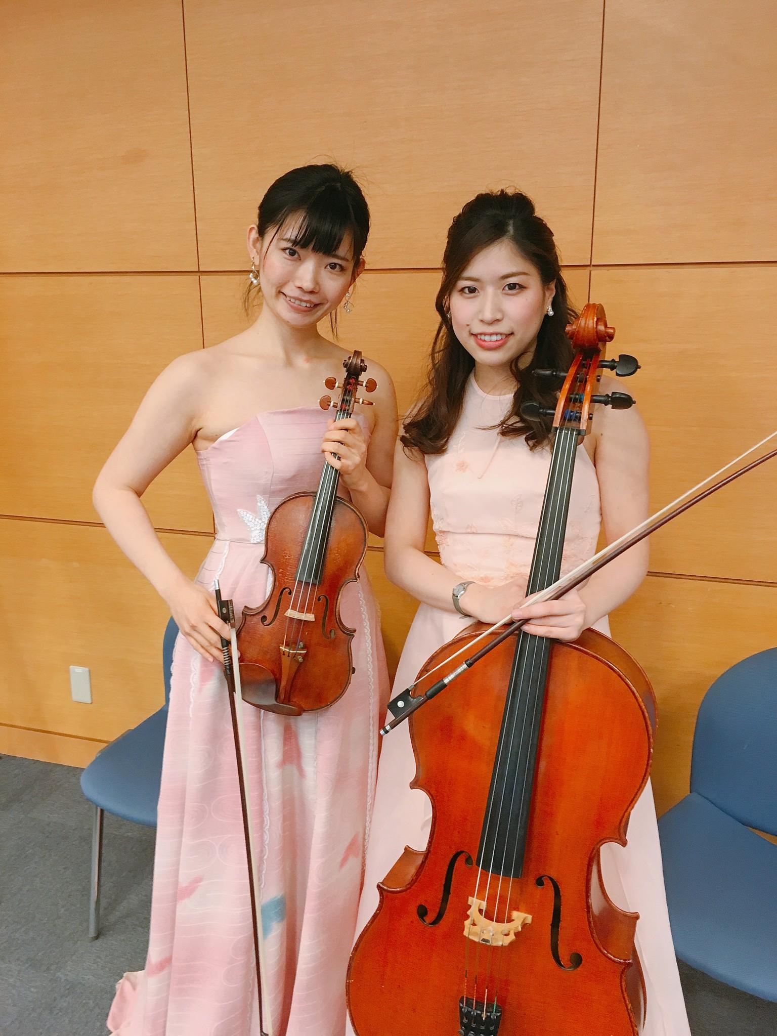 ヴァイオリンとチェロの二重奏で生演奏でした。大変お喜びいただきました