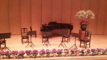 大きなステージでクラシック演奏でした