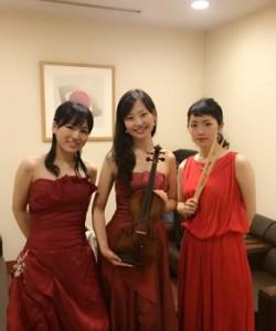 ヴァイオリン、ピアノ、パーカッション3名編成でした