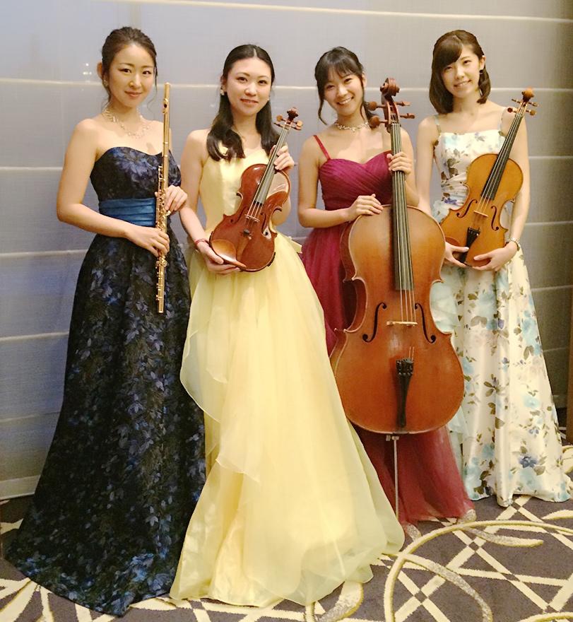 アイリスは美人演奏家によるフルートと弦楽器の四重奏です