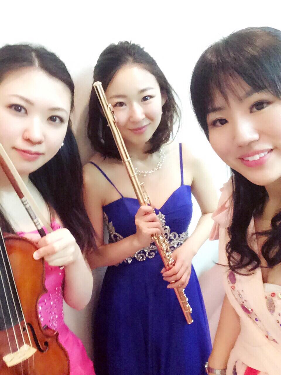 新年会パーティー演奏にてクラシックトリオ生演奏でした