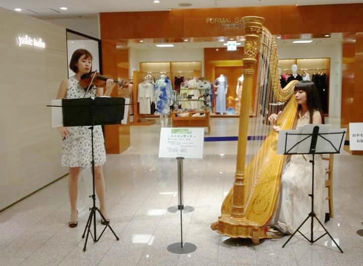 東急渋谷店様にてハープとヴァイオリンの二重奏でした