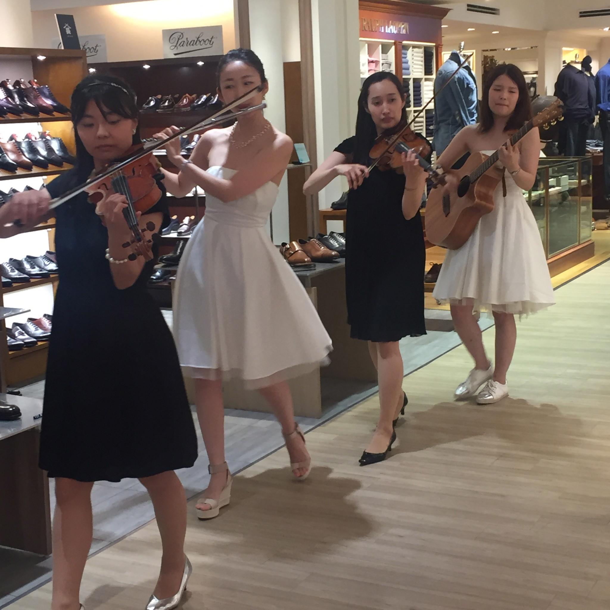 フルート、ヴァイオリン2名、ギターでサプライズ演奏でした