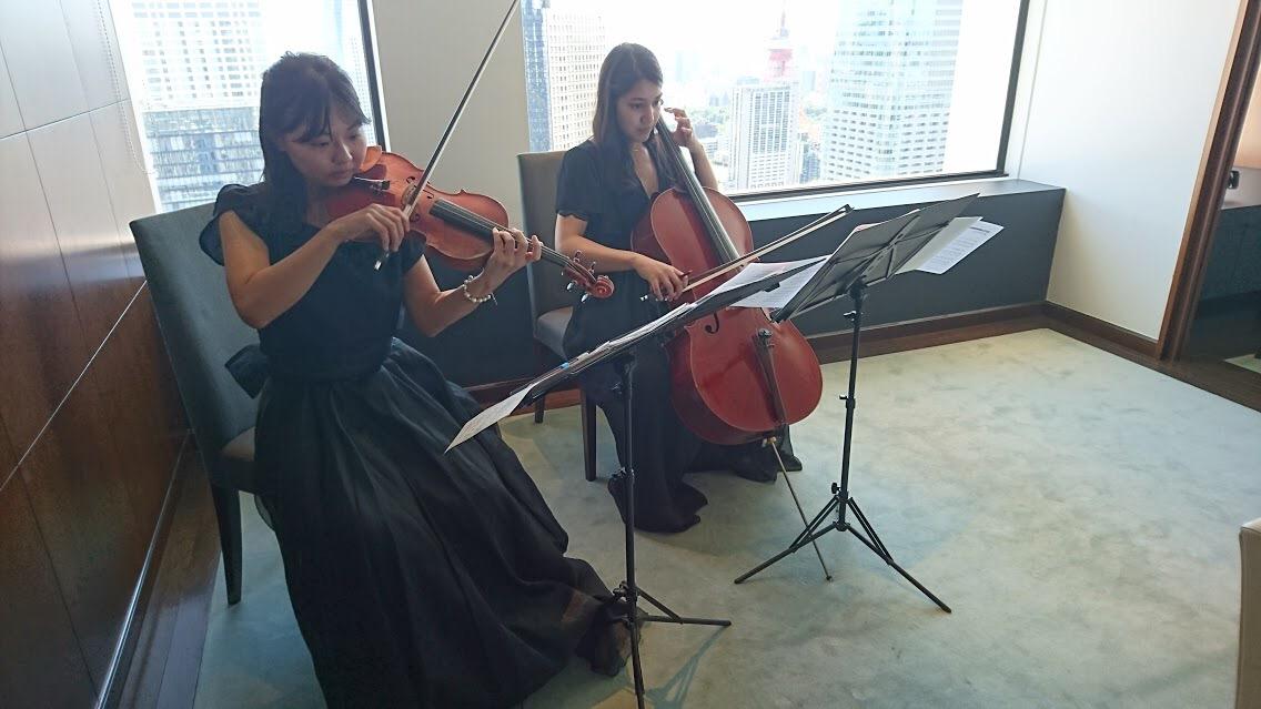 ご披露宴でヴァイオリンとチェロの生演奏でした