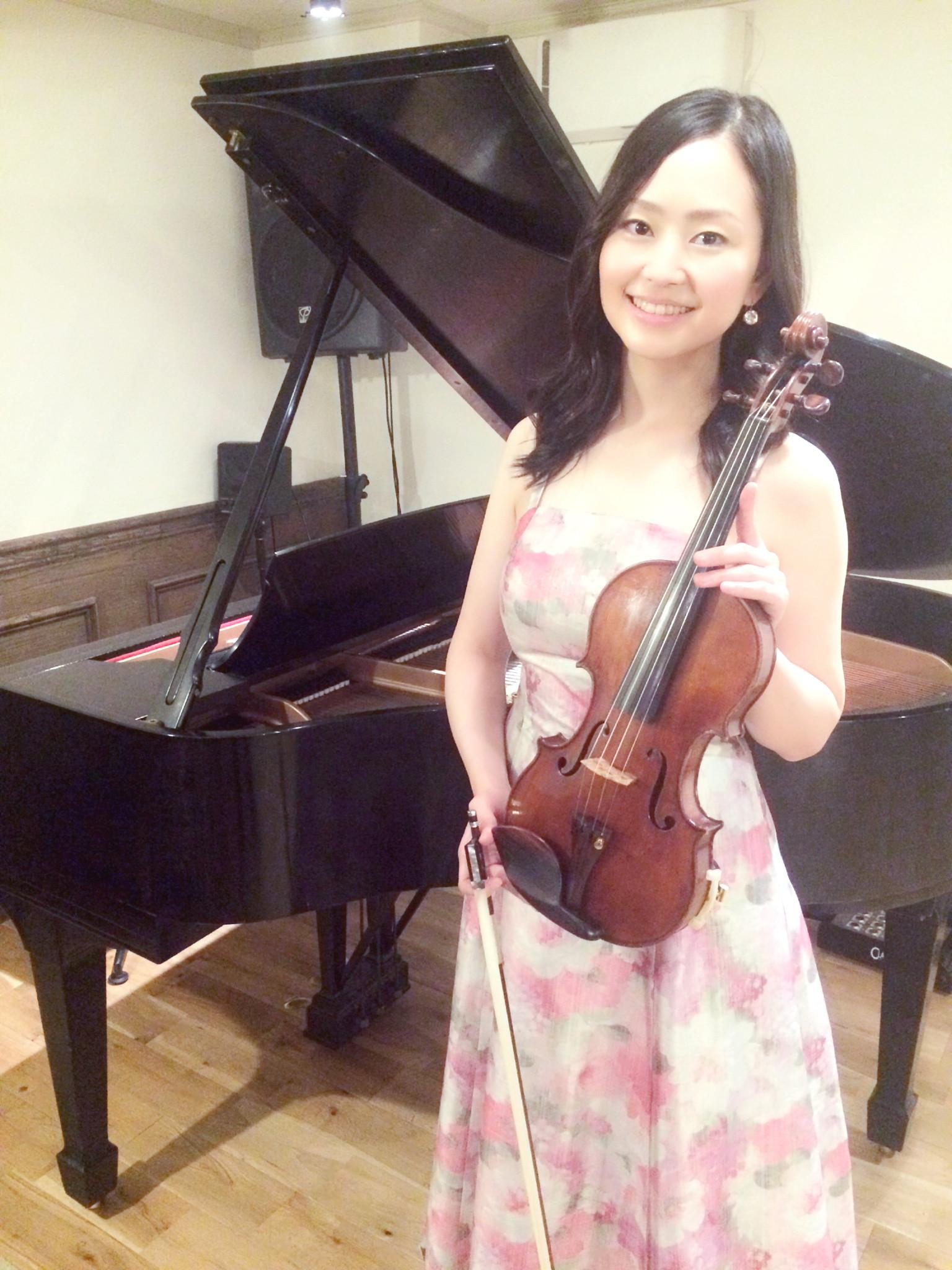 気品ある美人ヴァイオリン奏者