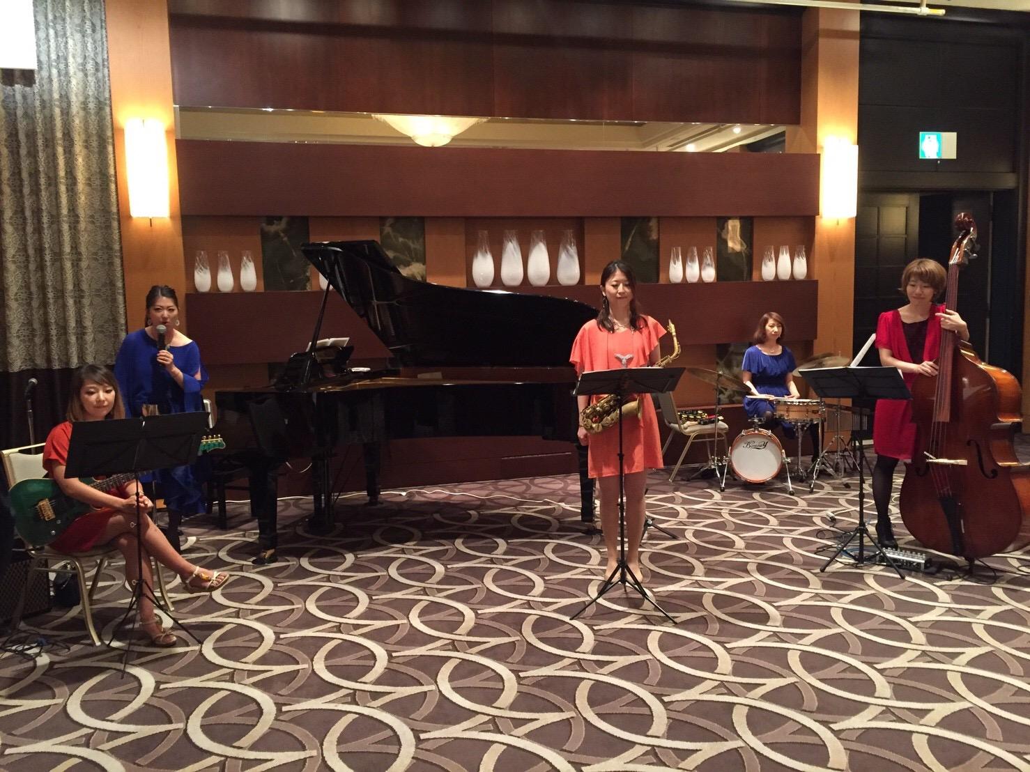 かっこいい女性ジャズユニットで会場を盛り上げました
