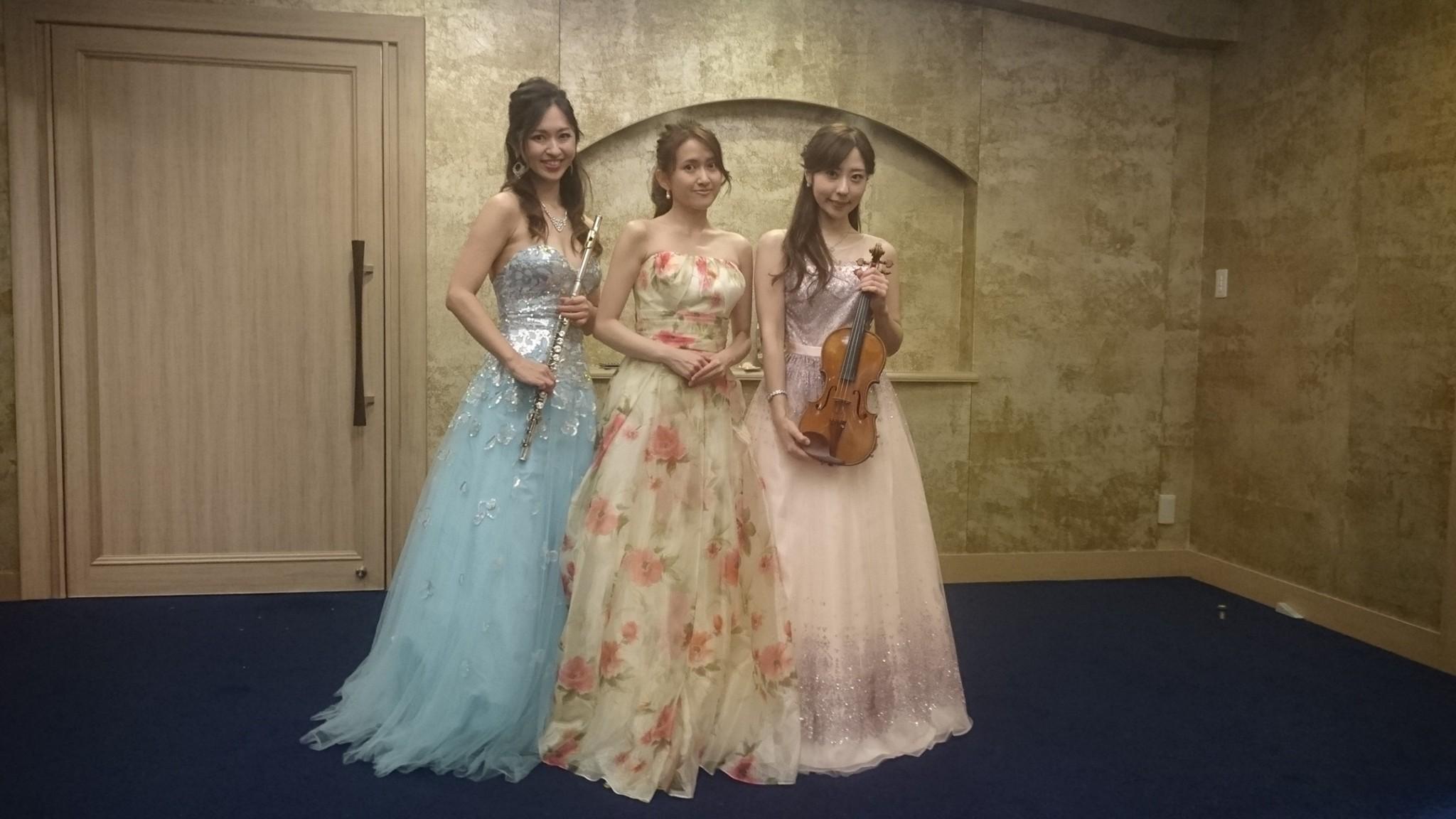 オペラ演奏でフルート、ヴァイオリンの生演奏でした