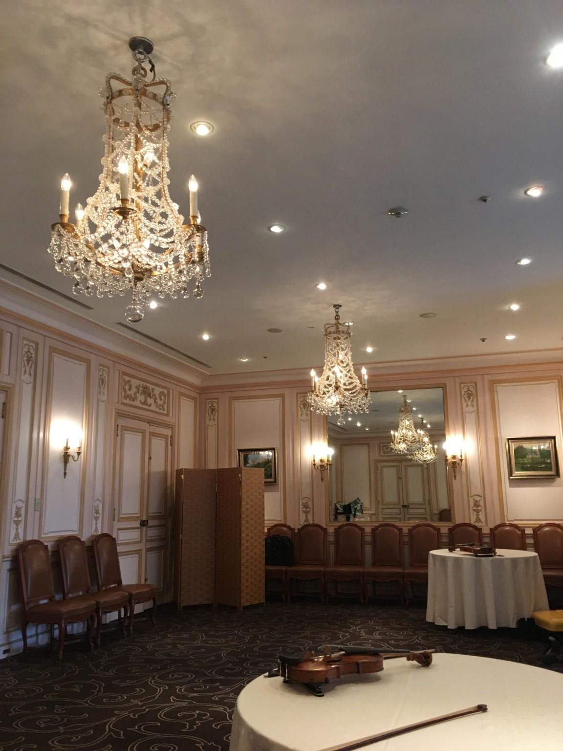 弦楽四重奏演奏の高級感のある控え室です