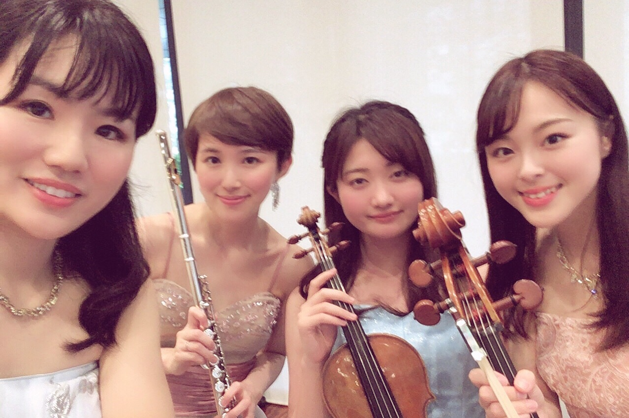 フルート、ヴァイオリン、チェロ、ピアノの4名編成