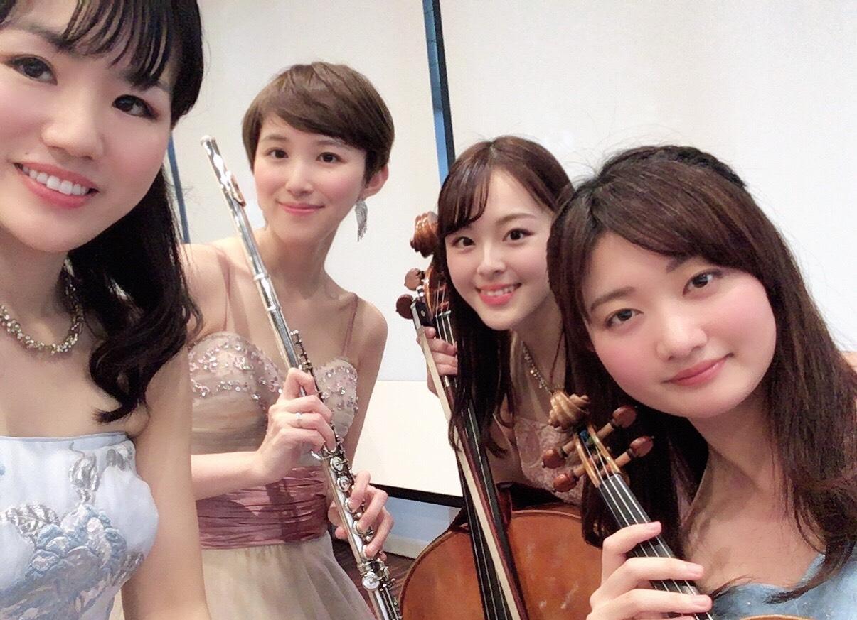 クラシック四重奏で生演奏でした
