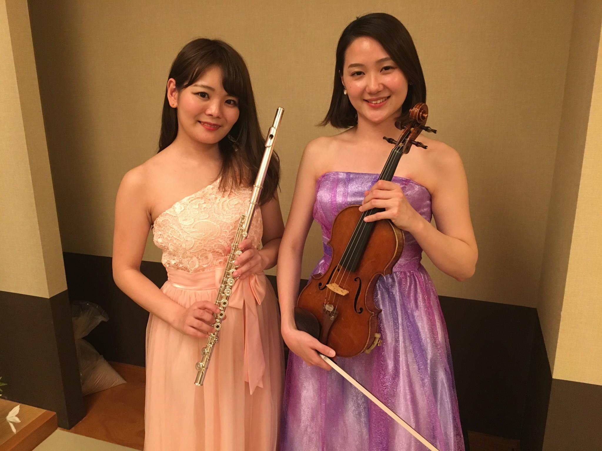フルートとヴァイオリンで名曲を生演奏しました