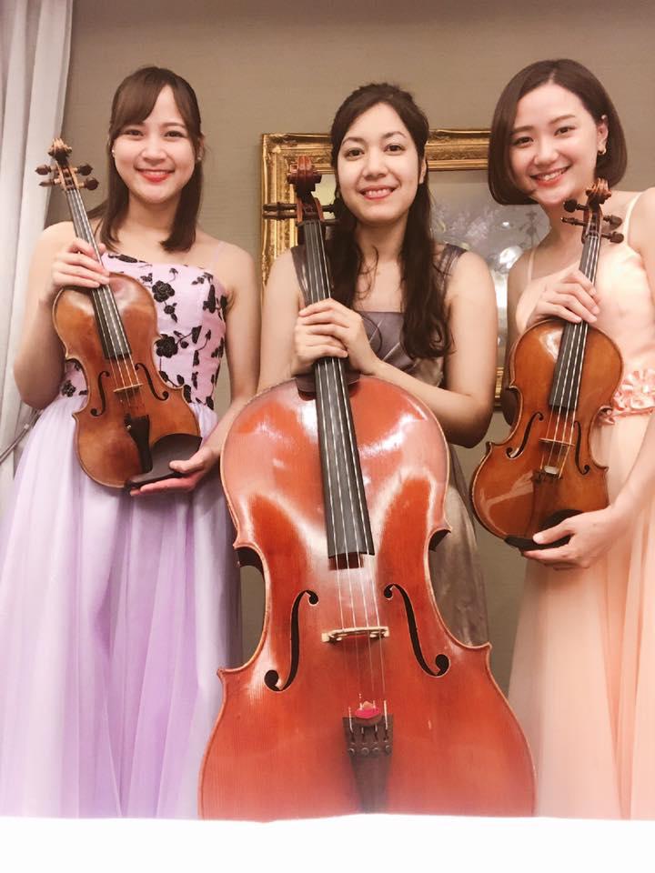 ヴァイオリンとチェロの生演奏でした