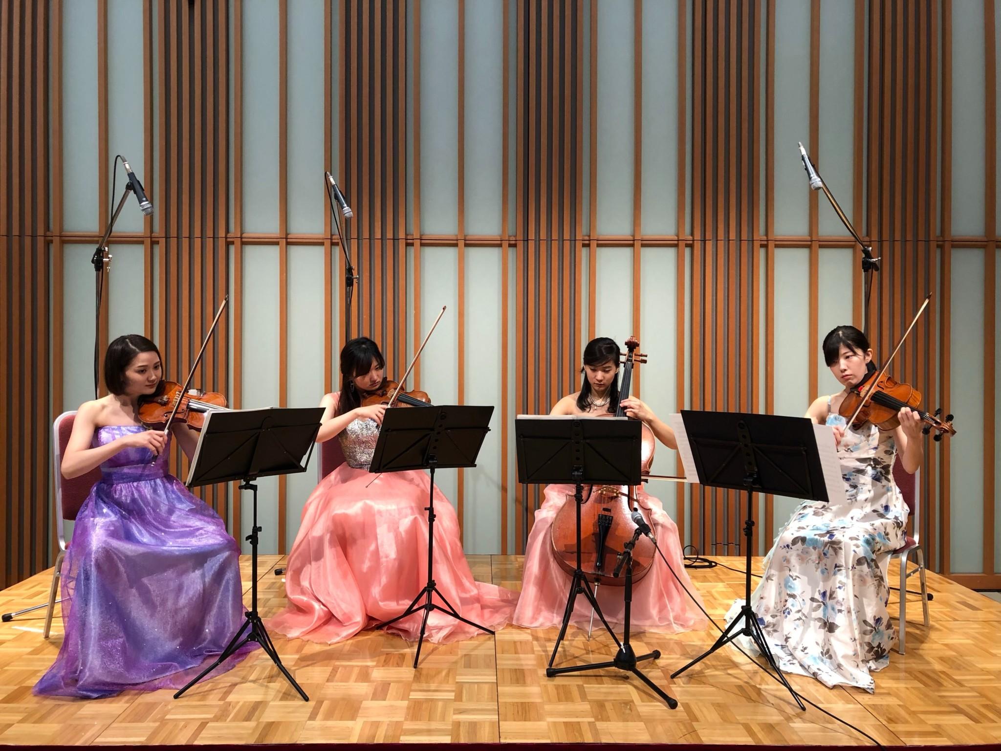 弦楽四重奏の生演奏は人気があります