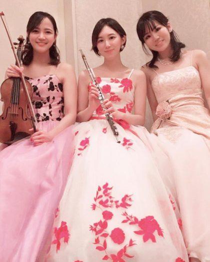 ヴァイオリン、フルート、ピアノの美人演奏家