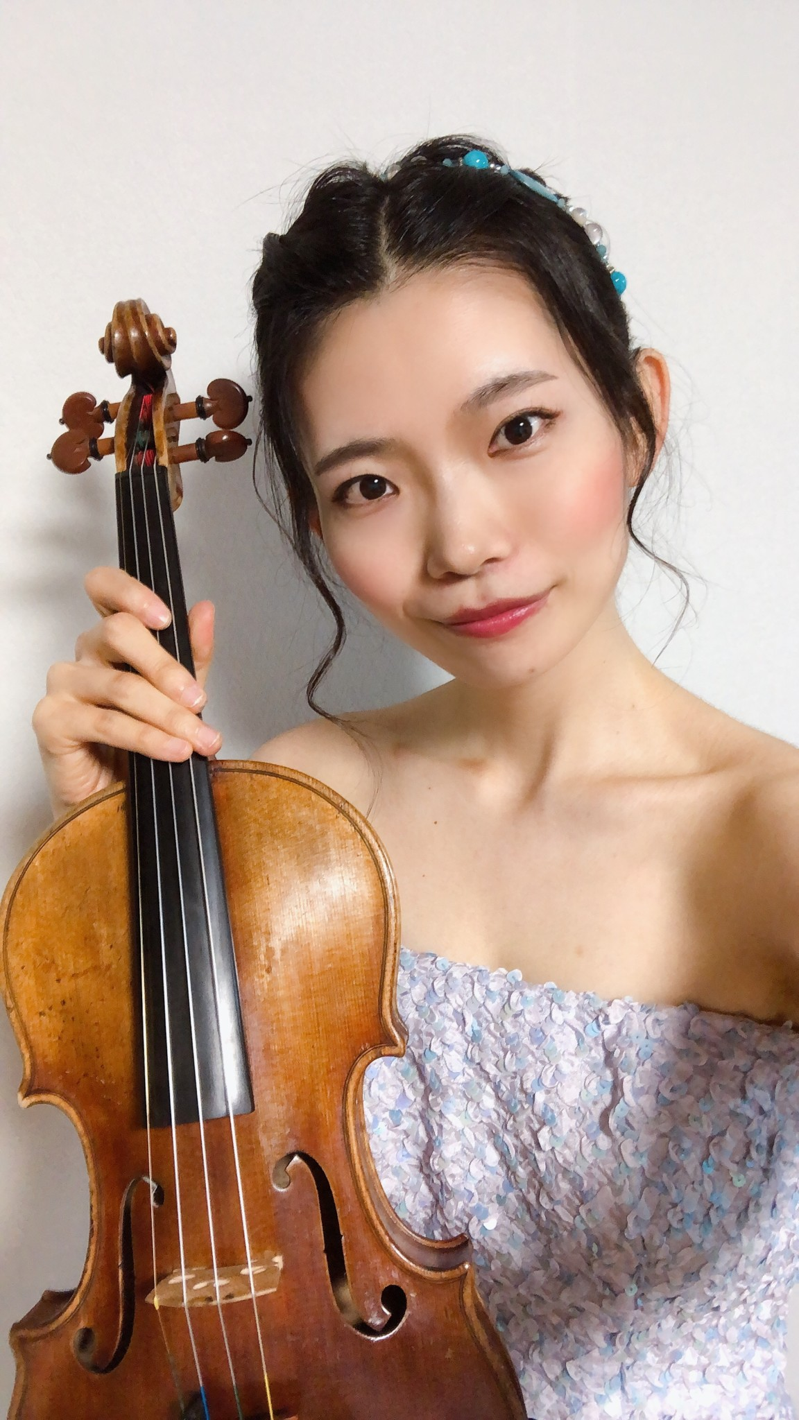 美人バイオリン奏者のリモート演奏でした