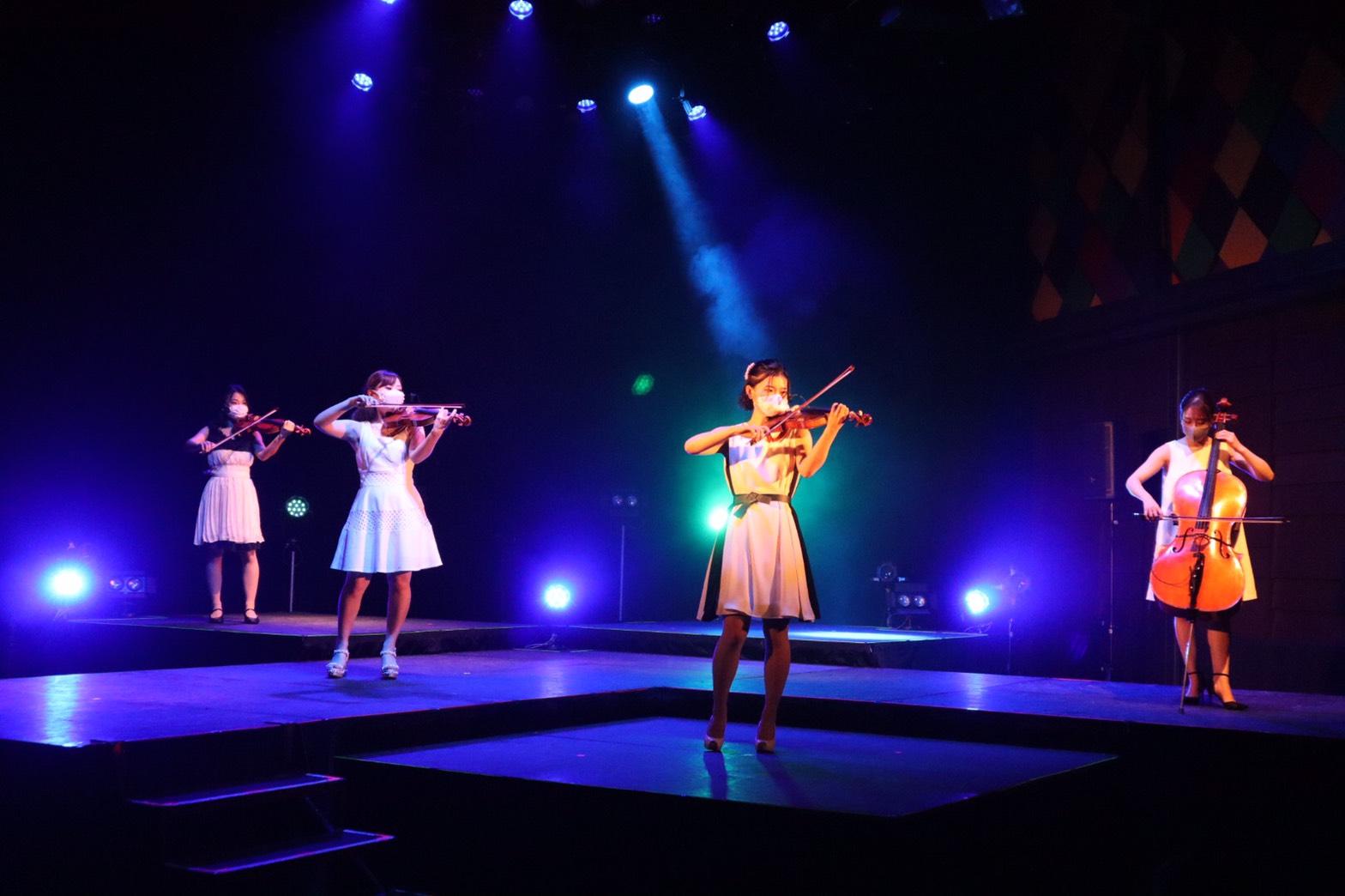 弦楽四重奏の生演奏で人気があります